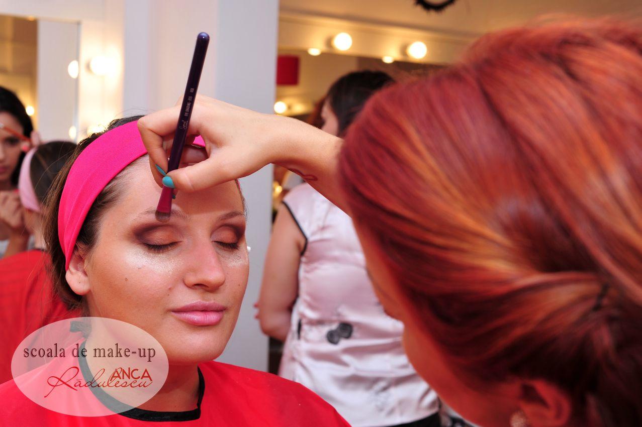 Poze Frumoase şi întâmplãri Funny De La şcoala De Make Up Anca