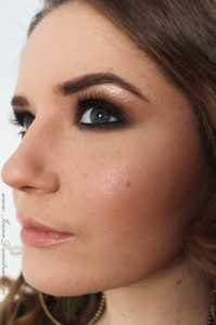 Smoky eyes makeup