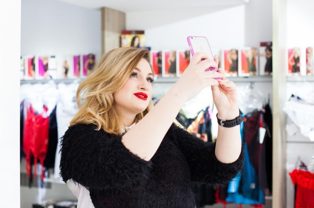 Ioana-Dumitrache-selfie