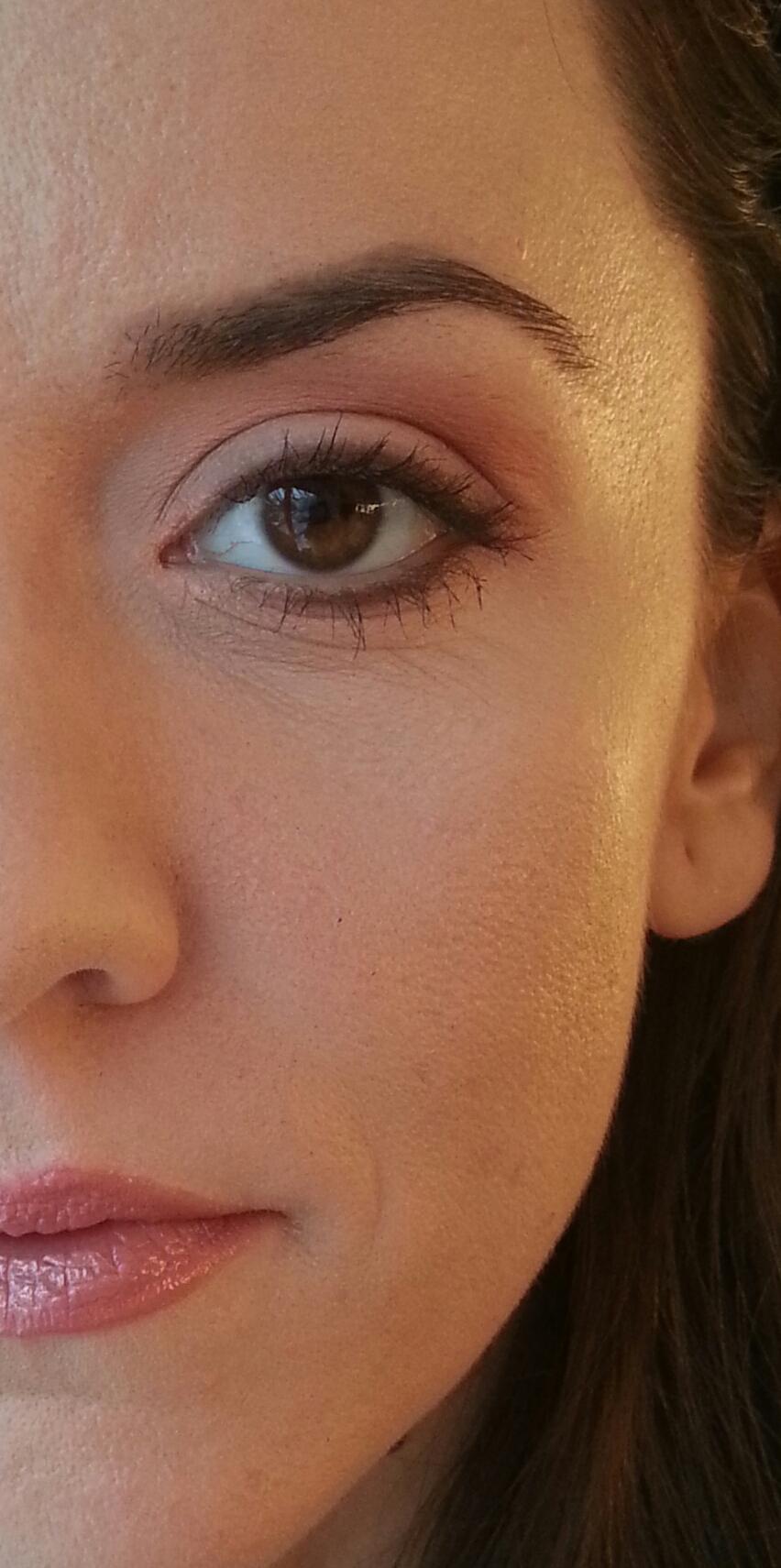 Primele isprãvi în calitate de cursantã Monroe Make-up Academy