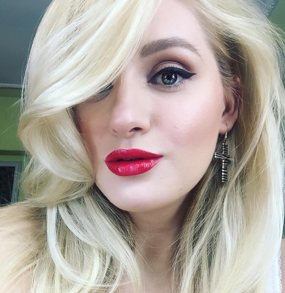 Sfatul specialistului: îngrijirea părului blond