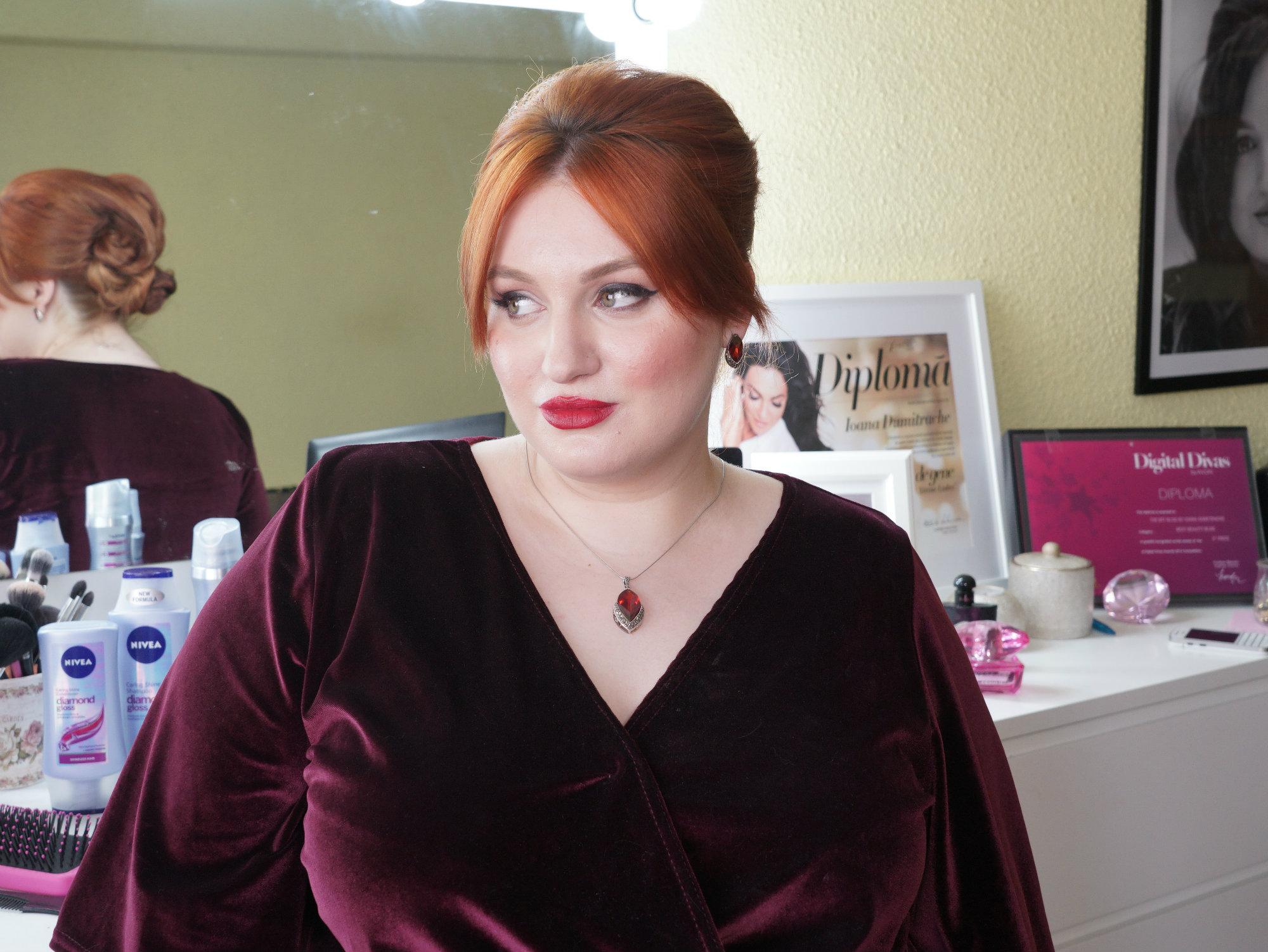 Hair tutorial: Cum să-ţi faci un coc sofisticat în doar câteva minute