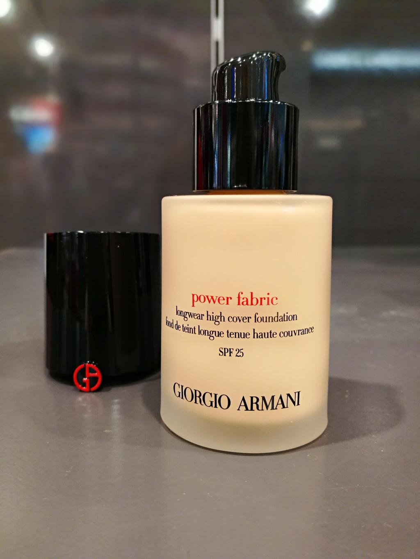 Review Fond de ten Giorgio Armani Power Fabric