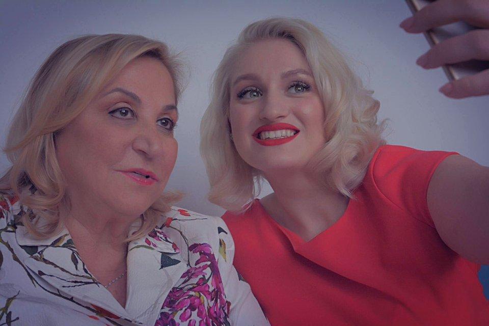 [VIDEO] Interviu cu Jessica Vartoughian – fondatoarea Jessica Cosmetics